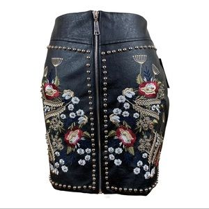NWT. Romeo And Juliet Couture Studded Skirt Size S